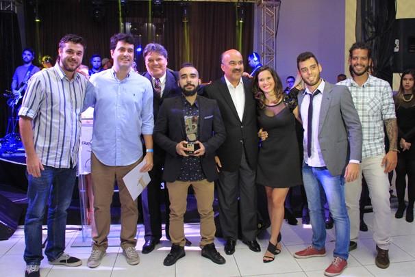 Turma da Bairro Novo comemora primeira vitória no Criatividade (Foto: Kleide Teixeira/Jornal da Paraíba)
