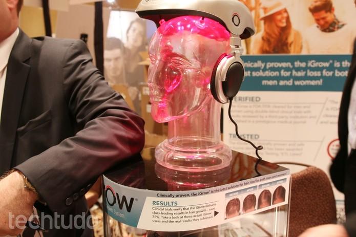 dispositivo IGrow combate queda de cabelo (Foto: Fabrício Vitorino/ TechTudo)