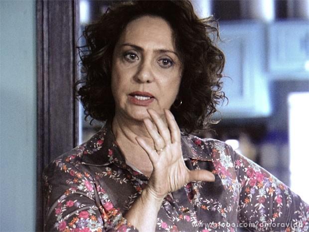 Ordália avisa que é pegar ou largar (Foto: Amor à Vida/ TV Globo)
