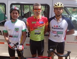 João Luiz, João Siqueira e Caio Ramos: dracenenses na primeira etapa da Copa São Paulo de Ciclismo (Foto: Semelju / Divulgação)