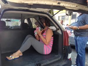 Cuidadora acusada de tortura contra uma idosa é transferida para presídio em Bangu (Foto: Janaína Carvalho / G1)