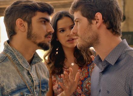 Grego e Benjamin 'brigam' e deixam Mari preocupada