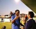 Antes de amistoso, Drogba e Lampard se divertem com reencontro