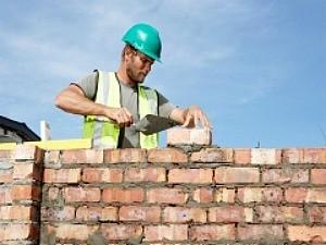Destaques estão para trabalho na construção civil, mecânica e açougueiro no Espírito Santo. (Foto: Divulgação/Secom)