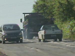 Asfalto do anel viário de Piracicaba (SP) está em mal estado (Foto: Reprodução/ EPTV)