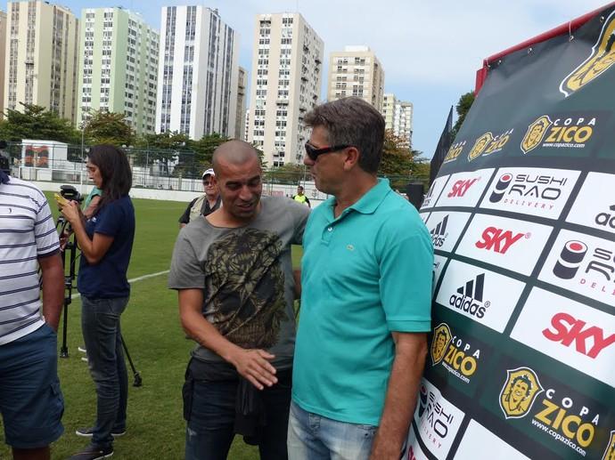 Emerson Sheik e Renato Gaúcho Copa Zico Gávea 2015 (Foto: Fred Gomes/ Globoesporte.com)