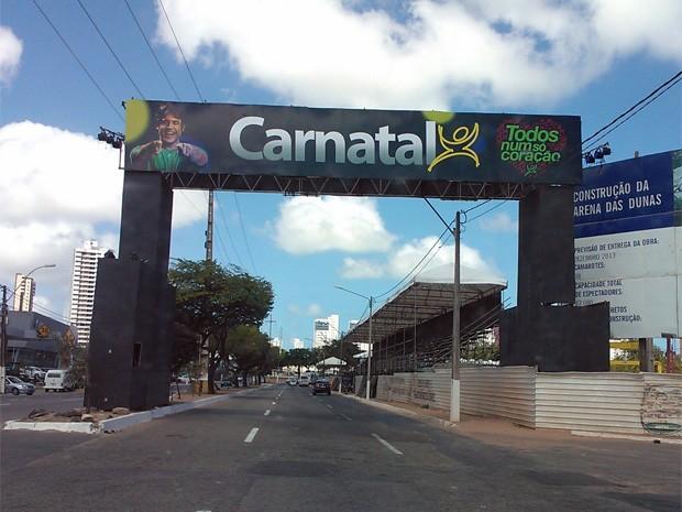 Entrada do 'Corredor da Folia' está pronto para o Carnatal 2012 (Foto: Augusto Gomes/G1)