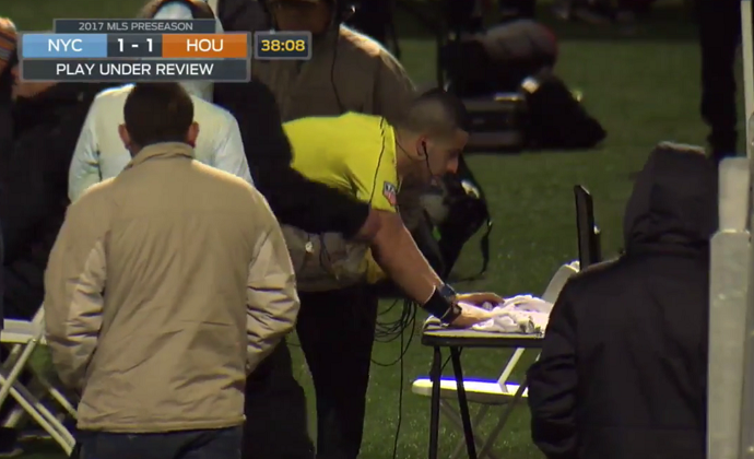 BLOG: Árbitro usa recurso de vídeo para expulsar David Villa em pré-temporada da MLS