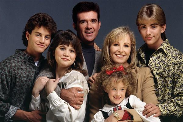 De 1985 a 1992, a família Seaver, da série 'Growing Pains', cativou o público. (Foto: Divulgação)