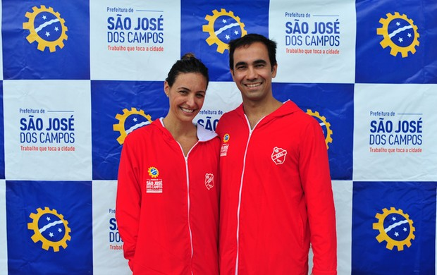Fabiola Molina e Diogo Yabe são apresentados na Associação Esportiva São José (Foto: Claudio Capucho / PMSJC)