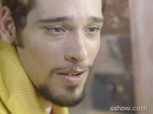 Renato se desespera e pede ajuda à Mãe Benta (Foto: Meu Pedacinho de Chão/TV Globo)