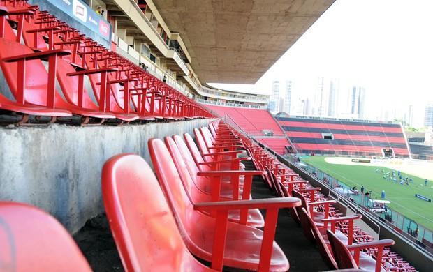 Sport x CSA portões fechados Ilha do Retiro (Foto: Aldo Carneiro / Pernambuco Press)