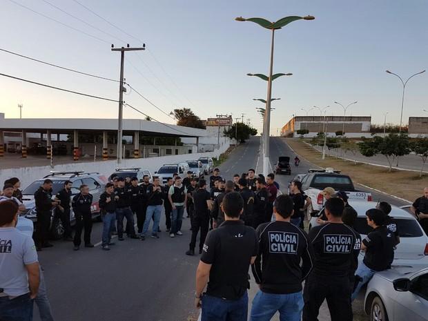 Ao todo, 60 agentes participaram da ação e cumpriram mandados de busca, apreensão e prisão preventiva (Foto: Divulgação/Polícia Civil do Crato)