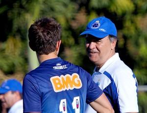 Treino Cruzeiro - Marcelo de Oliveira e Dagoberto (Foto: Washington Alves / Light Press)