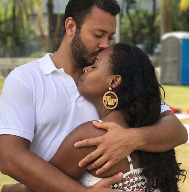 Roberta Rodrigues e Guilherme Guimarães (Foto: Reprodução/Instagram)