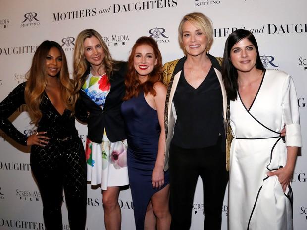 Ashanti, Mira Sorvino, Alexandra Daniels, Sharon Stone e Selma Blair em première de filme em Los Angeles, nos Estados Unidos (Foto: Mario Anzuoni/ Reuters)