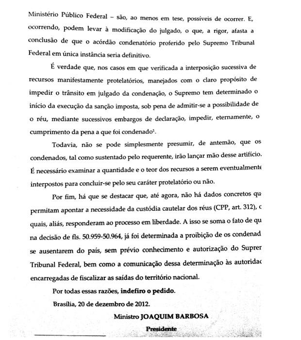 Página 3 da decisão de Joaquim Barbosa sobre o pedido de prisão imediata dos condenados no julgamento do mensalão (Foto: Reprodução)