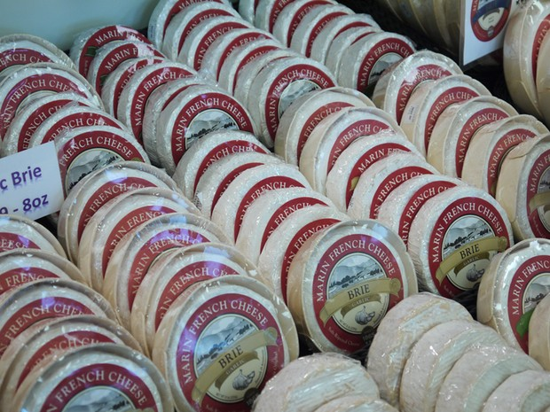 Turistas poderão, a partir de agora, entrar no Brasil com produtos de origem animal como queijos (Foto: Reuters)