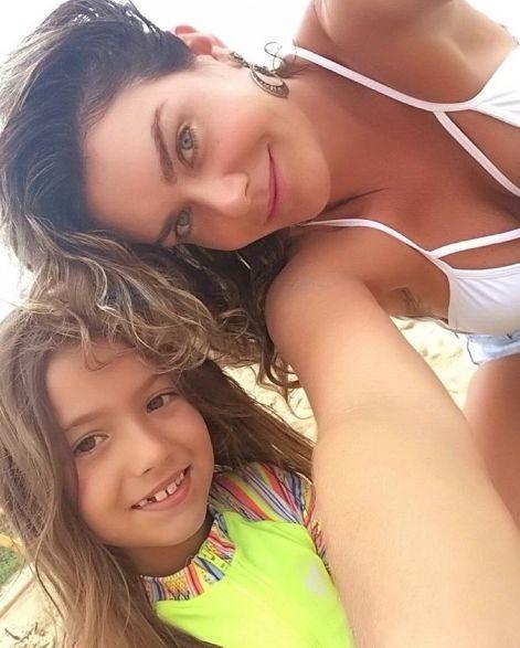 Luize Altenhofen e a filha, Greta (Foto: Reprodução)