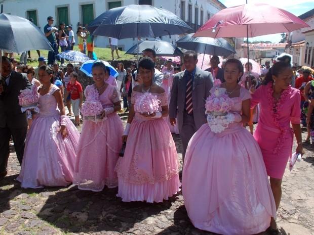 Começam os festejos do Divino Espírito Santo  (Foto: Douglas Júnior/O Estado)