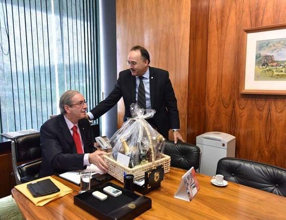 Aliado de Cunha trava discussão sobre recomposição salarial de deputados federais (Foto: Reprodução)