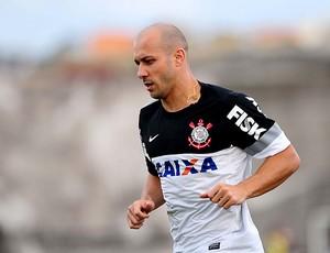 Alessandro treino Corinthians (Foto: Marcos Ribolli / Globoesporte.com)