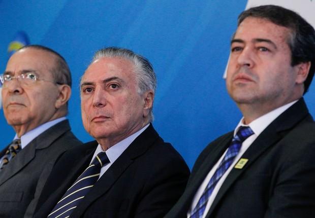 Temer e ministros lançam a plataforma digital do Programa Emprega Brasil (Foto: Marcos Corrêa/PR)