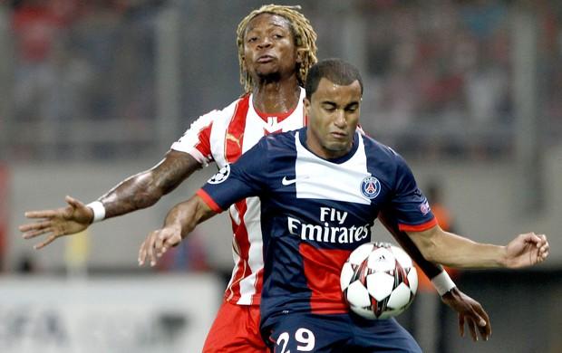 Lucas jogo PSG contra Olympiakos (Foto: Reuters)