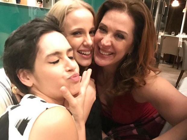 Maria Flor, Marcela Rica e Claudia Raia em restaurante no Rio (Foto: Instagram/ Reprodução)
