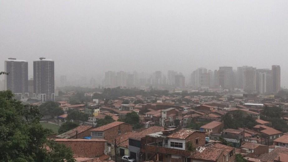 Chove em 72 municípios cearenses nesta Sexta-feira Santa