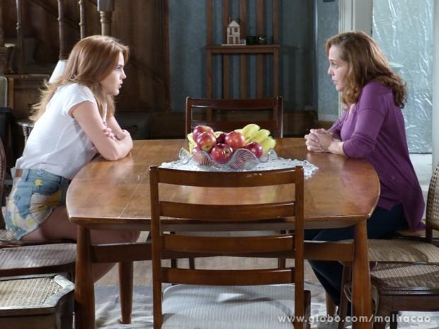 Vera diz pra Anita que chegou a hora de ir morar com o pai (Foto: Malhação / TV Globo)