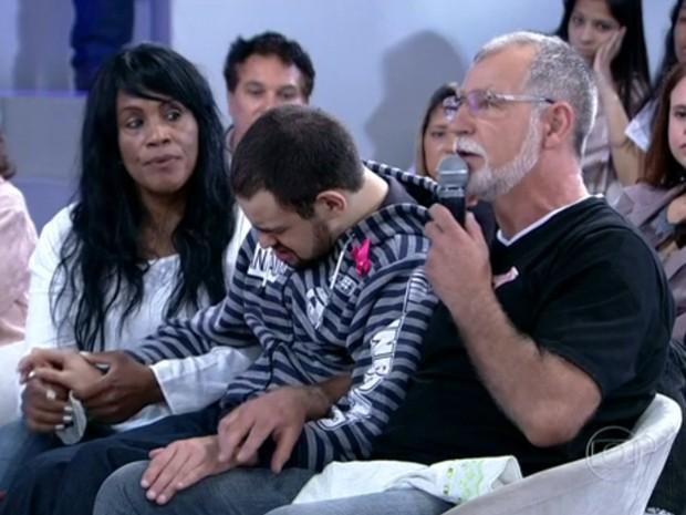 Adolfo desenvolveu enzima para tratar do filho (Foto: Encontro com Fátima Bernardes/ TV Globo)