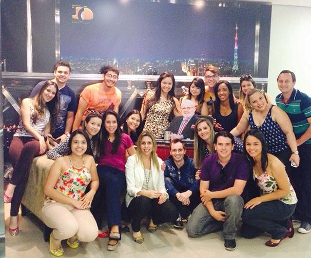 Alunos conheceram também estúdios, cenários e a redação do jornalismo (Foto: Priscila Guidini)