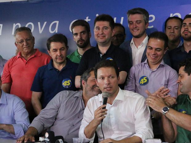 Eleito prefeito de Porto Alegre, Nelson Marchezan Junior (PSDB) fala após confirmação da vitória nas urnas (Foto: Rafaella Fraga/G1)