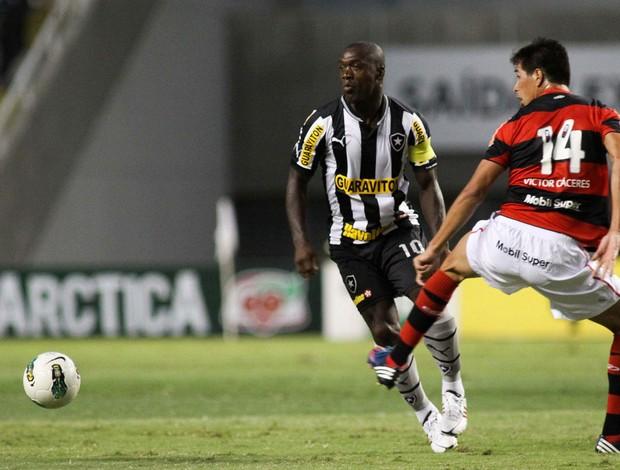 Seedorf e Cáceres Botafogo x Flamengo (Foto: Luciano Belford / Ag. Estado)