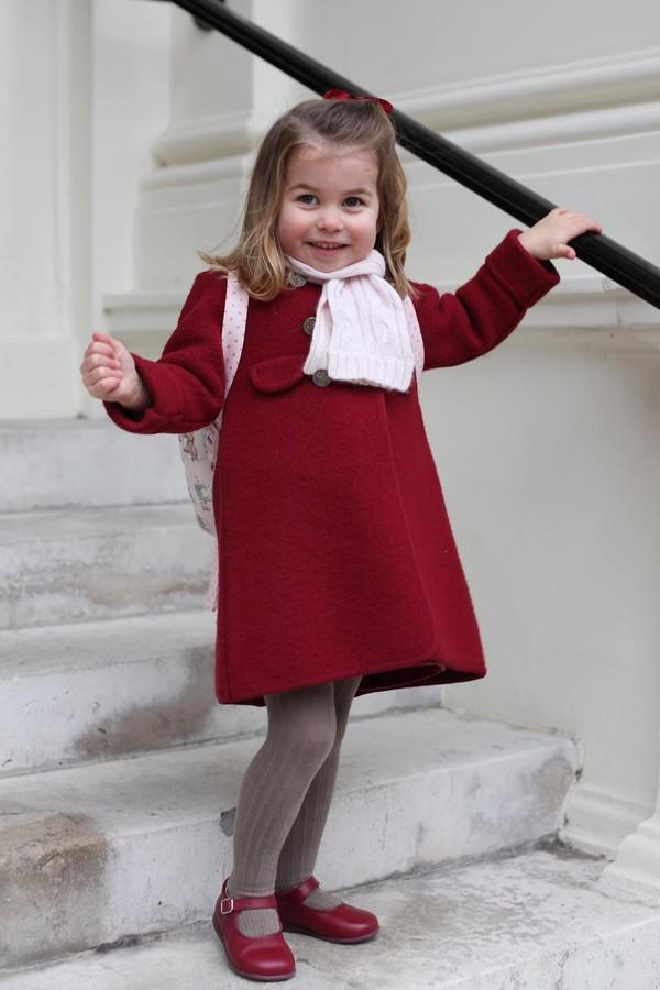 Princesa Charlotte vai à escola pela primeira vez (Foto: Instagram/Reprodução)