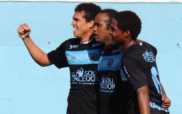 Jogadores do Londrina comemoram gol  (Foto: Divulgação/Site oficial do Londrina)