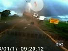 Homem que 'voou' de caminhonete em acidente recebe alta: 'Recomeço'