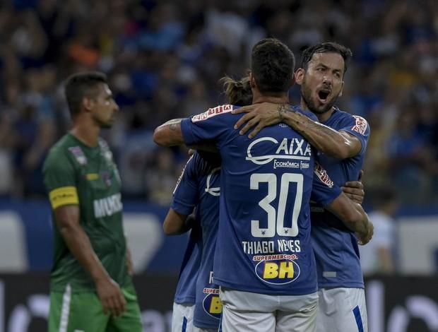 Jogadores do Cruzeiro comemoram gol; Cruzeiro; Murici