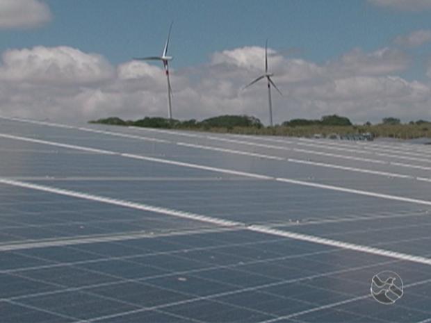Parque híbrido de energia renovável em Tacaratu, PE (Foto: Reprodução/ TV Asa Branca)