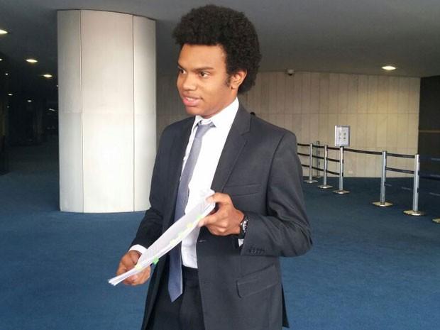 O coordenador nacional do Movimento Brasil Livre, Fernando Silva Bispo, no Senado (Foto: Sara Resende/G1)
