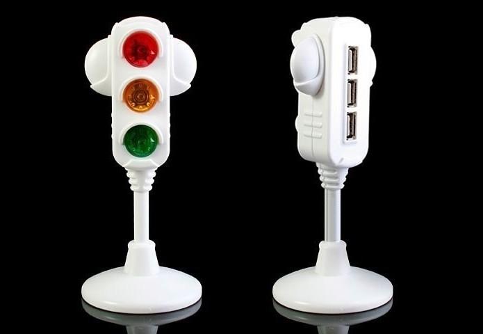 Hub USB com formato de semáforo (Foto: Divulgação/Bloopy)