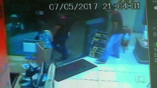 Vídeo mostra explosão de fogos que atingiu mulheres em sorveteria