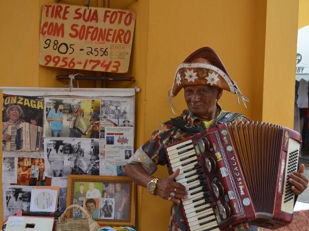 Sanfoneiro Boca Louca disse que a arrecadação foi 'a melhor de todos os tempos' (Foto: Marina Fontenele/G1)