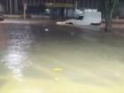Chuva forte alaga ruas e causa estragos em São José dos Campos