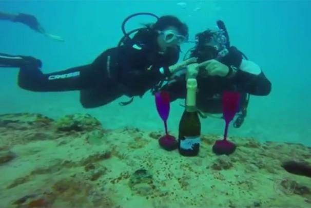 Casal de mergulhadores (Foto: Divulgação)