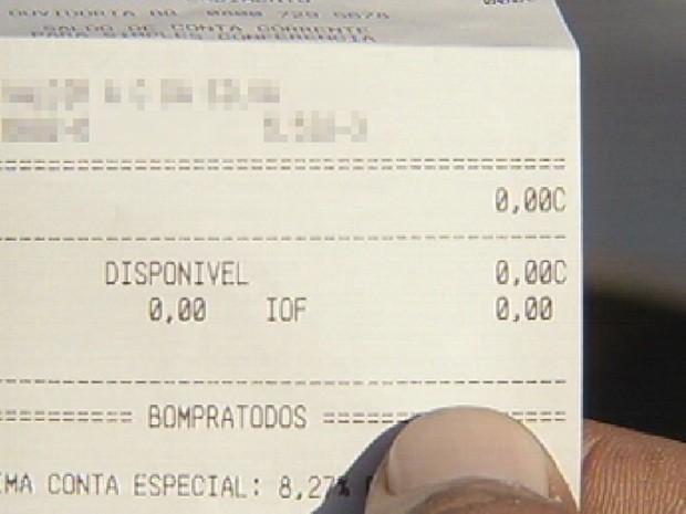 Extrato bancário de um servidor público está zerado (Foto: Reprodução/TV TEM)