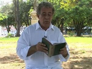 Antropólogo indica livro de Jorge de Lima (Foto: Reprodução/ TV Gazeta)