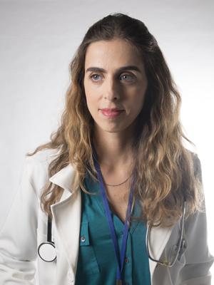 Dra. Laura (Ana Petta) (Foto: Universal Channel)
