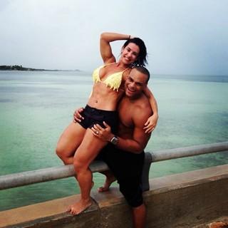 Scheila Carvalho e Tony Salle (Foto: Reprodução/Instagram)